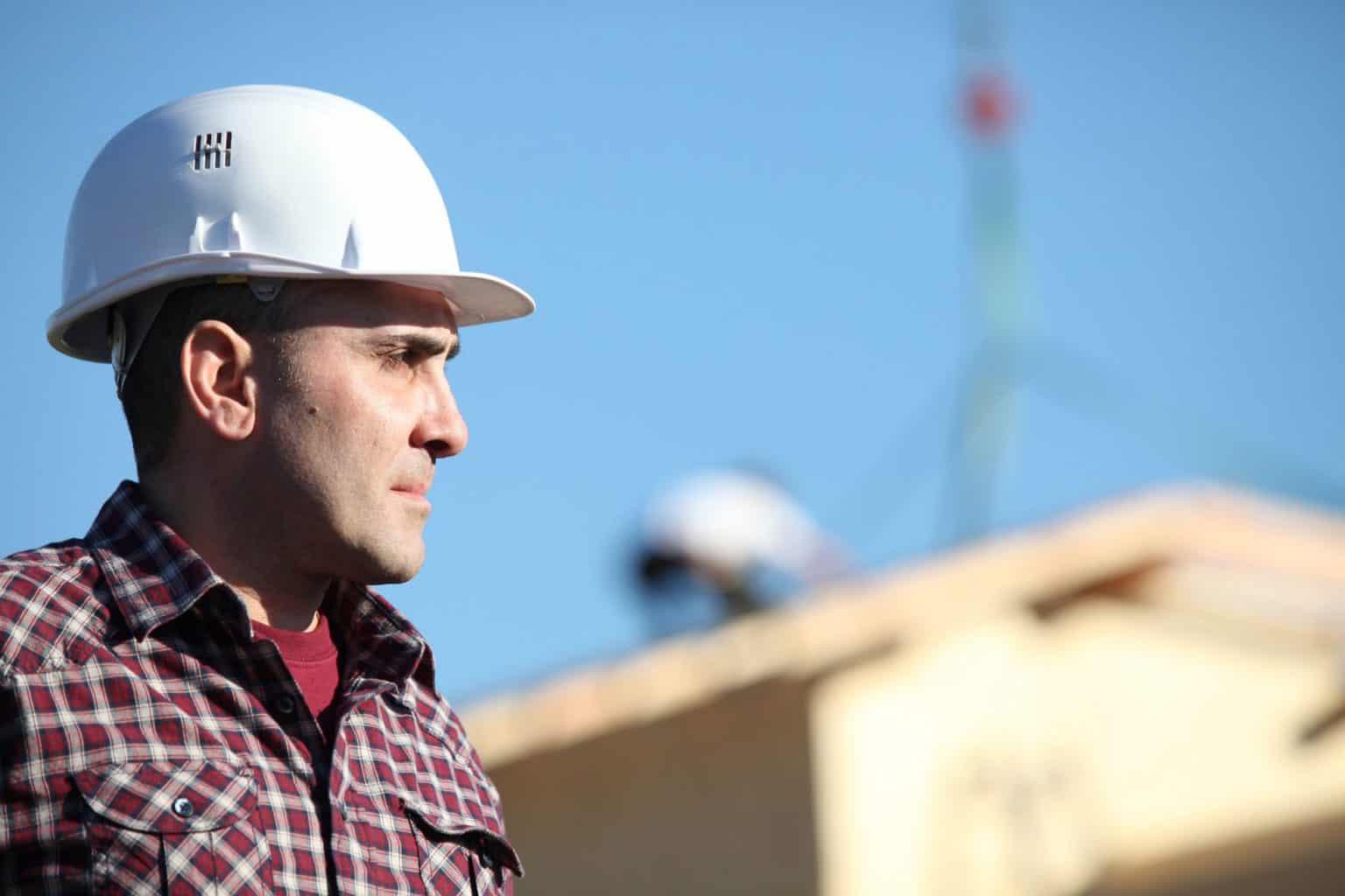 Construction Worker vs Contractor